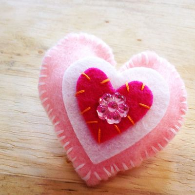 Pink felt heart pin by Chris Olson at Momathon